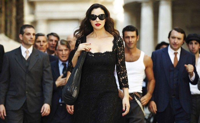 Dress Like an Italian Woman